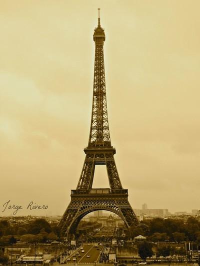 Eiffel Glamour
