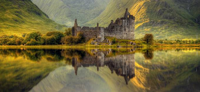 Kilchurn by strOOp - Enchanted Castles Photo Contest