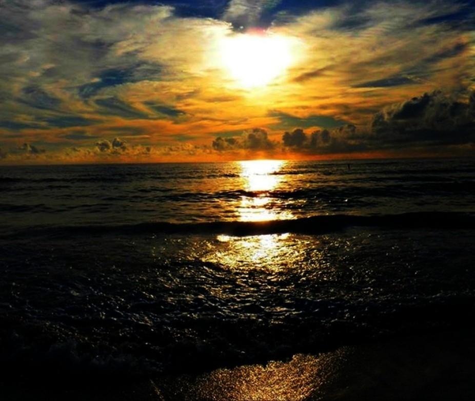 Heartshaped sunset