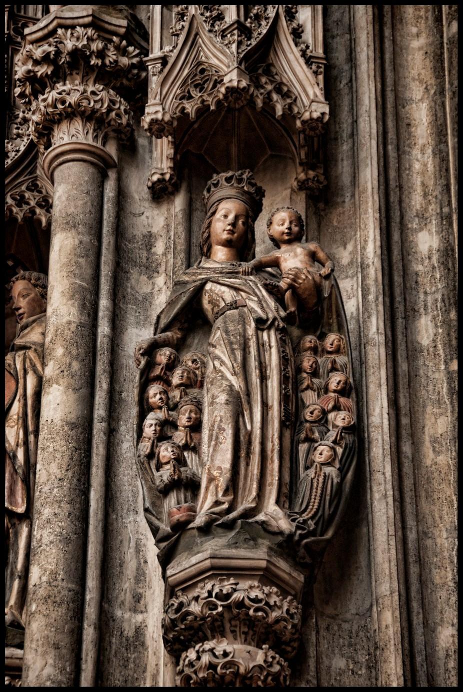 Vienna Statues 3