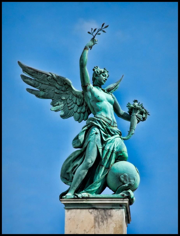 Vienna Statue 7