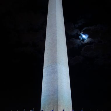 Washington Monument moon