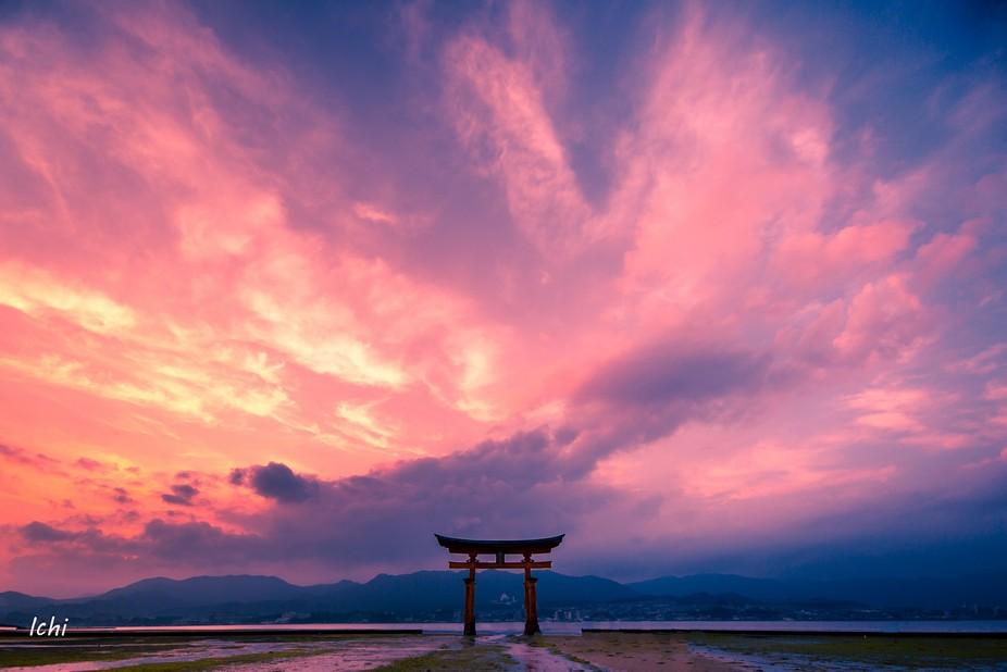 Giant Torii at Itsukushima shrine