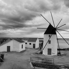 Amazingly well preserved windmill in Lo Pagan, being there made me go back to the past.