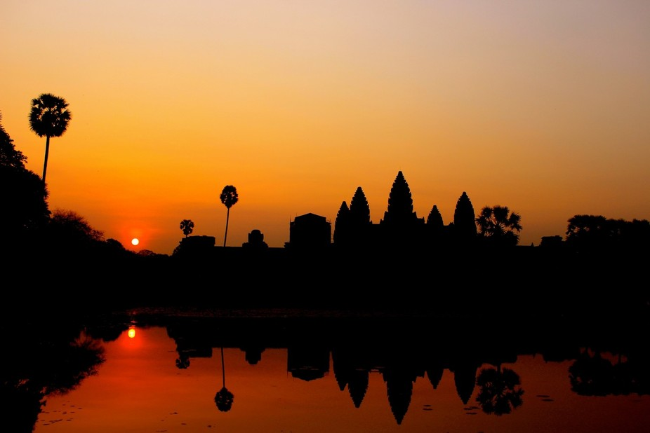 i thought i was going to see the sunrise at Angkor Wat but it turns out it ended up in every plac...
