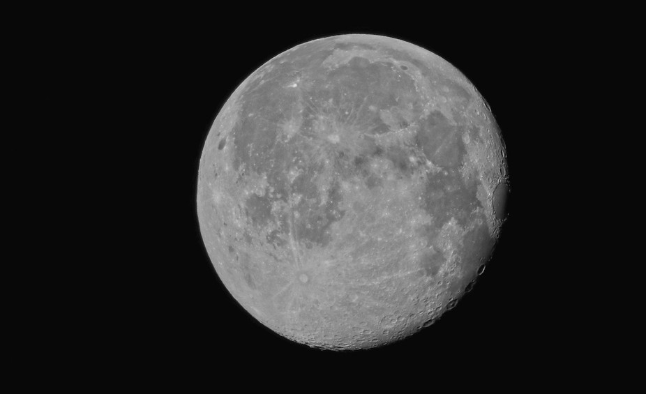 Full moon on a beautiful Sunday morning - April 24, 2016