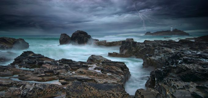 The Strike by WildSeascapes