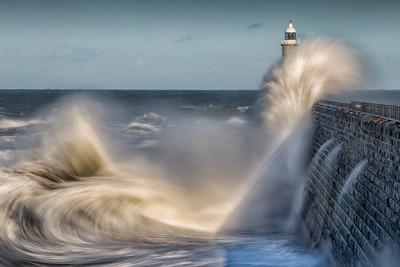 Tynemouth Waves