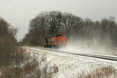 CN 4102 4802, eastward in late April snow squall