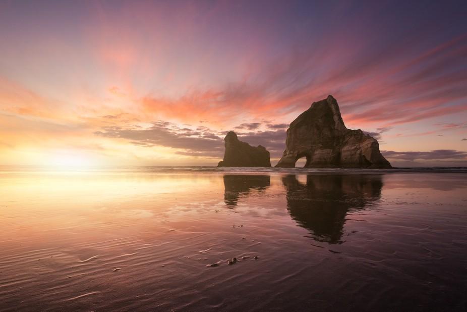 Archway Islands, Wharariki Beach