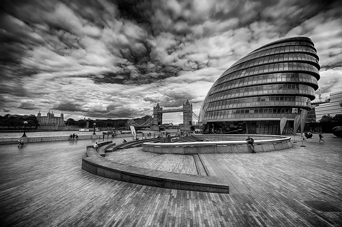 London BW by aidagri - London Photo Contest