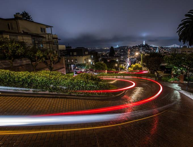 Lombard Street by floodthesensor - Composing with Curves Photo Contest