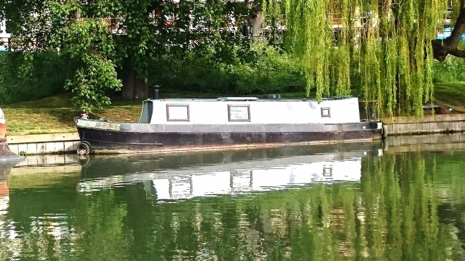 REflection, on the river CAm