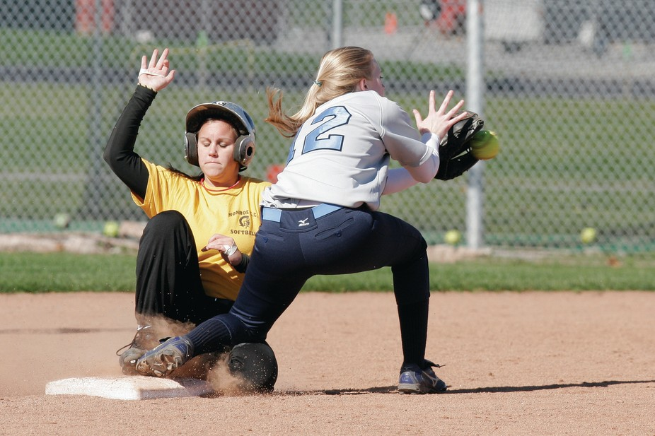 Tribune Softball