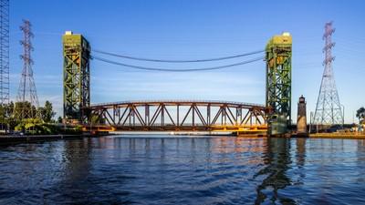 Hamilton Lift Bridge