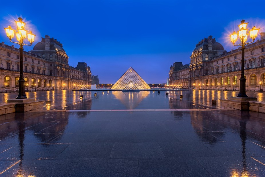 The benefit of shooting on a rainy evening at the Louvre is that I was able to get this with almo...
