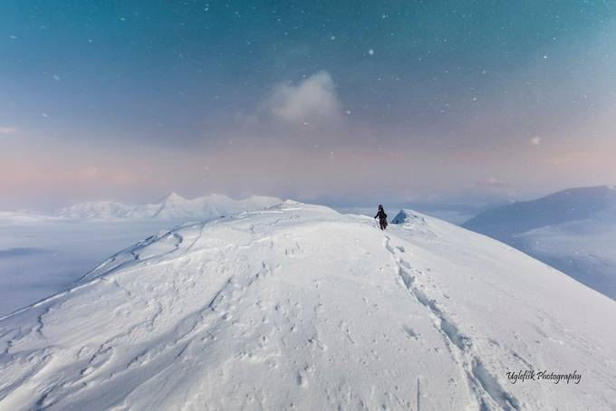 Snowstars by paaluglefisklund - People In Large Areas Photo Contest