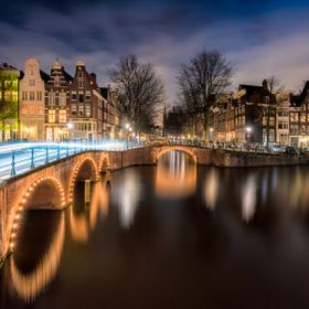 The famous intersection of Leidsegracht and Keizersgracht.