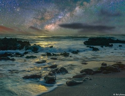 The Milky Way meets the beach