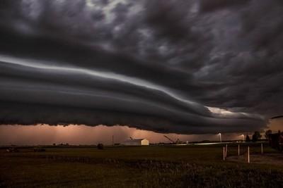 Triple shelf cloud