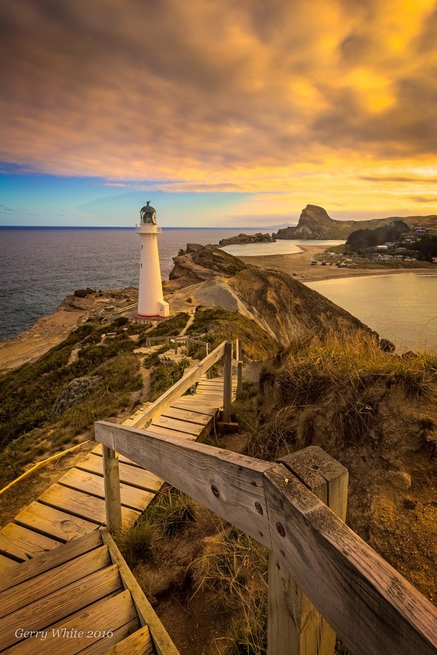 Last light at Castlepoint by gesser - Fences Photo Contest