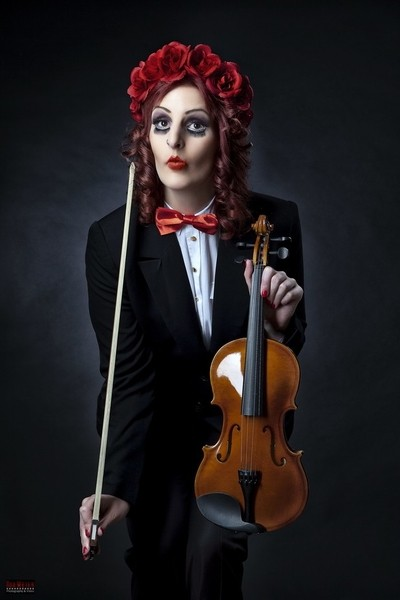 Puppet Girl - black suit and Violin
