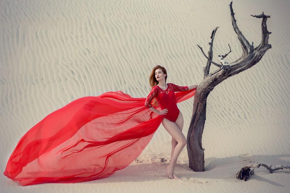Model: Karolina Senejko