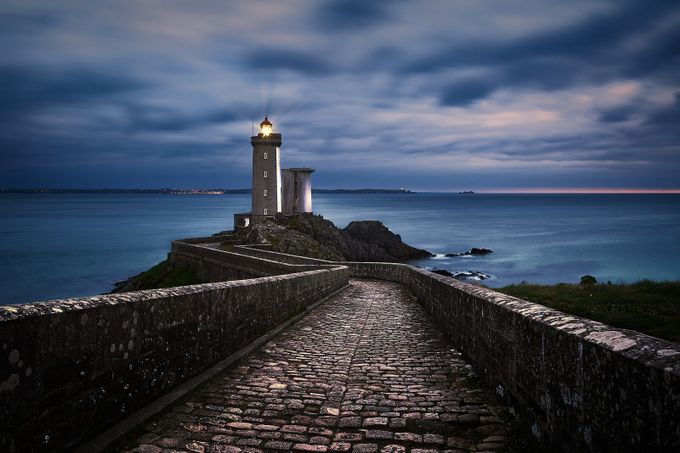 Nightwatch by Denis09 - Parallel Compositions Photo Contest
