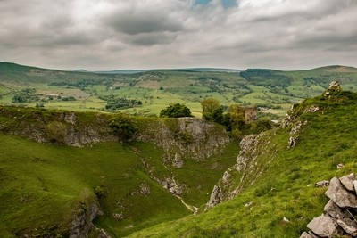 Over Cave Dale to Peveril Castle