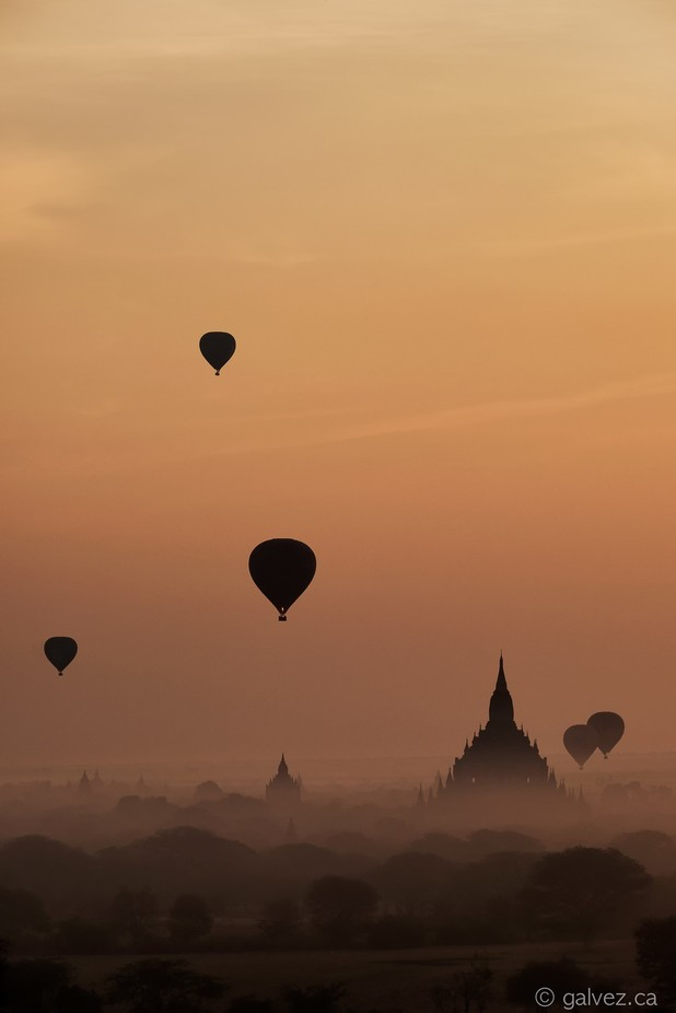 Myanmar Bagan Air by carlosglvez