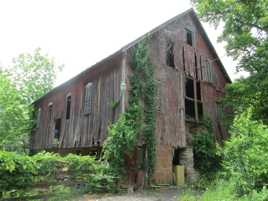 Old Red Barn 1