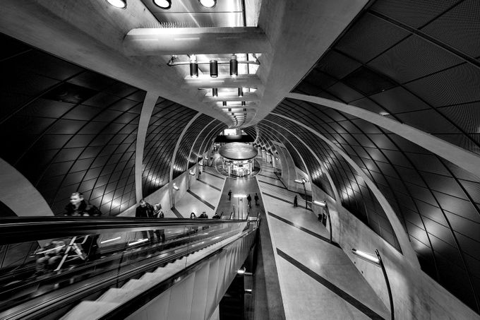 Underground Spaceship 1 by raven-black - Metro Stations Photo Contest