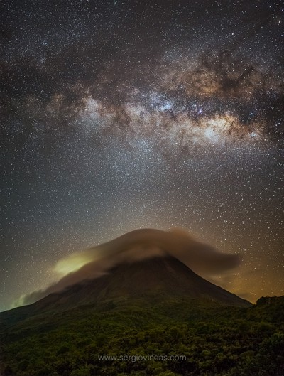 Lenticular cloud and the Milkyway over the Arenal Volcano, Costa Rica