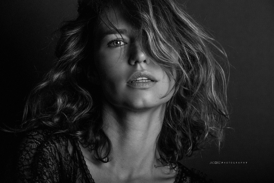 portrait en noir et blanc de la sublime Amandine