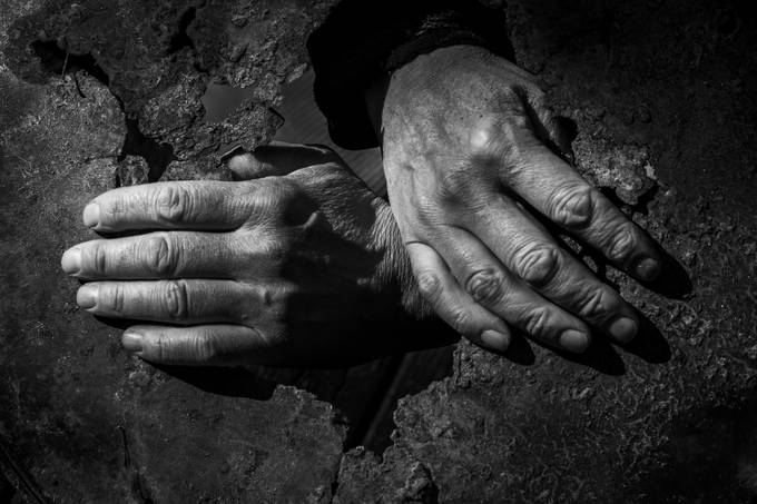 Hands by carlbrugger - Shooting Hands Photo Contest
