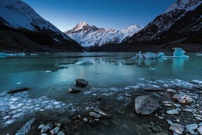 Hooker Glacier Lake / New Zealand
