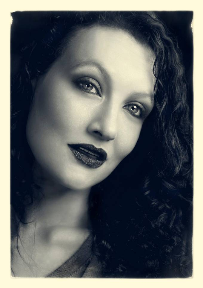 I thought Katherine has the perfect face for old time styled portraits I love so much. With one small light we create this.