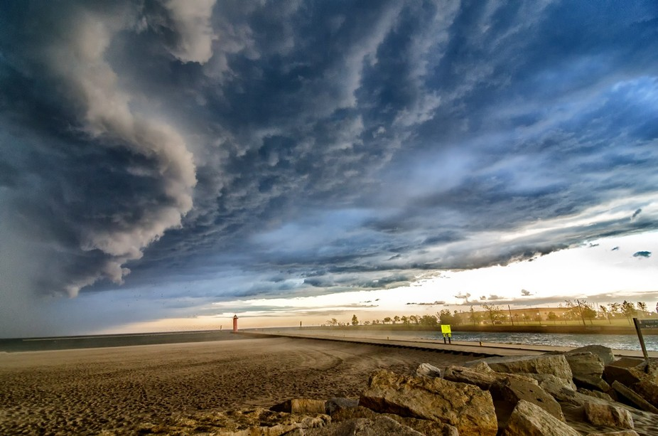 A storm comes in from the north heading over Kenosha, WI.  High winds and buckets of rain came se...