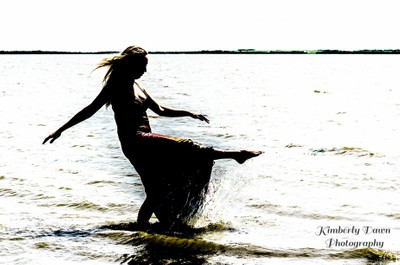 Dancer in the water 2