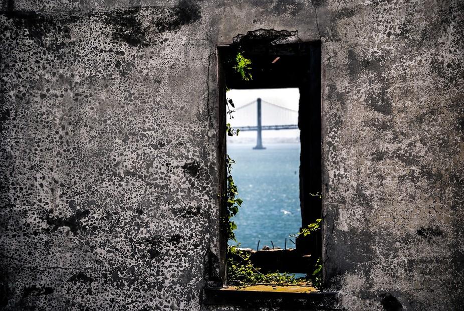 Alcatraz_Bridge_Window