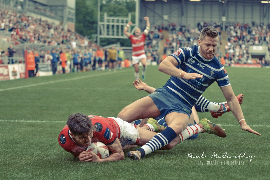 Winning try in a tight game Leigh Centurions v Featherstone Rovers