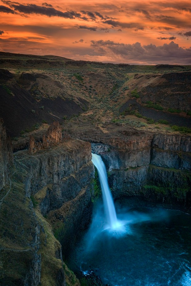 Palouse Falls Sunset by brianadamson - The Magic Of Moving Water Photo Contest