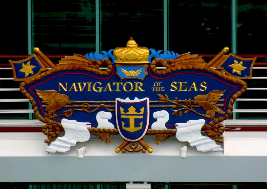 Navigator of the Seas Crest