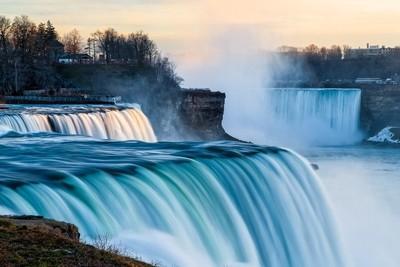 The Falls at Niagra