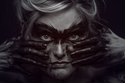 Photolga-portland-oregon-dark-beauty-photographer-sarah-6