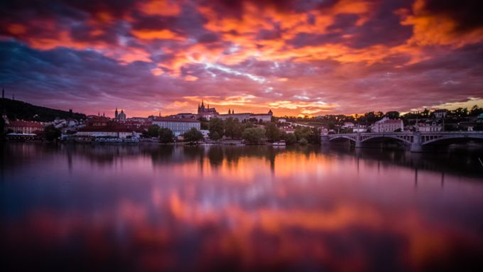 Praha by fleos - Color Theory Photo Contest