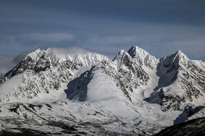 Mountain range seen from Oldervika.