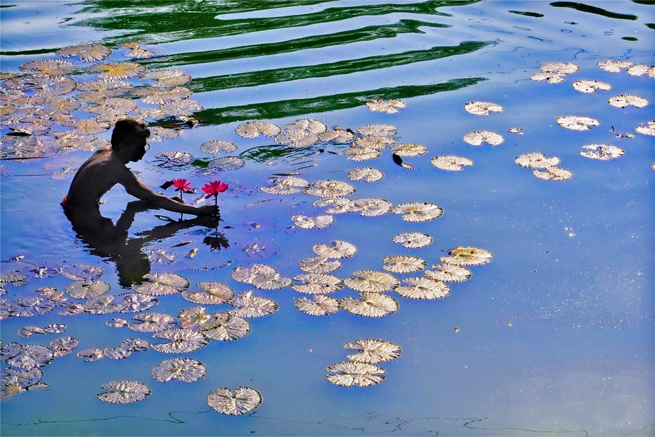 FLOATING LIFE : ATANU PAUL