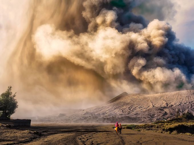 Valcano by TienSangKok - People In Large Areas Photo Contest