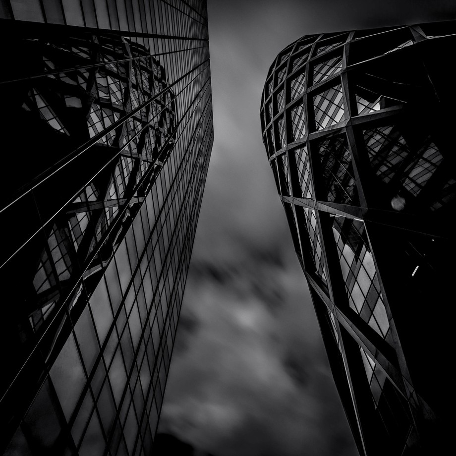 Mirror ... by FredericMONIN - Structures in Black and White Photo Contest